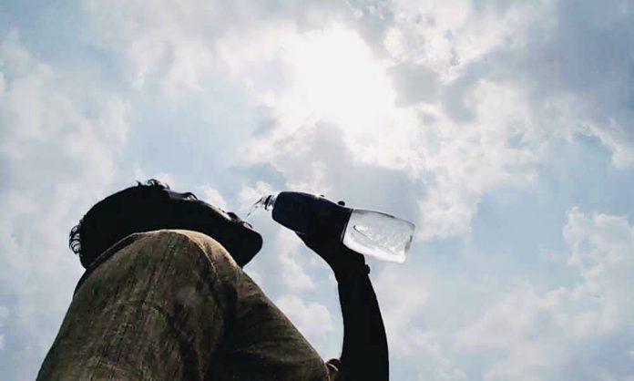 সোমবার মৌসুমের সর্বোচ্চ তাপমাত্রা রেকর্ড ৩৮ দশমিক ৫ ডিগ্রি