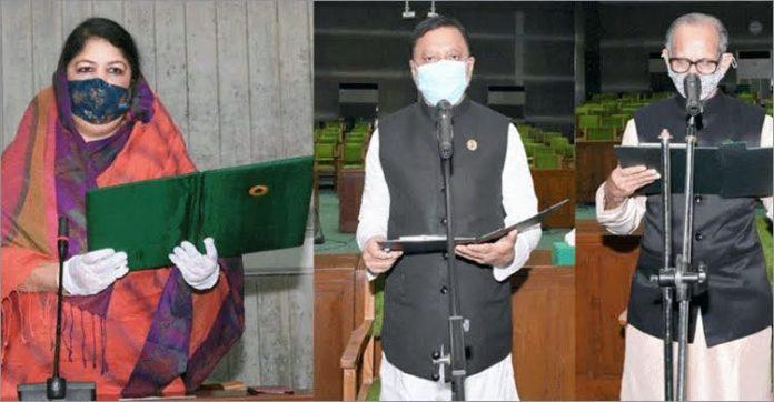 শপথ নিলেন বিনা প্রতিদ্বন্দ্বিতায় নির্বাচিত দুই সংসদ সদস্য